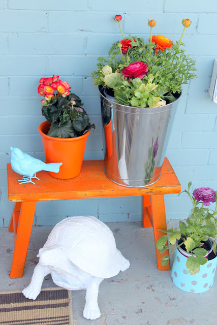 Colorful and Creative Planter Box Idea #planter #outdoorplanter #planterboxes #outdoor @SimplyDesigning